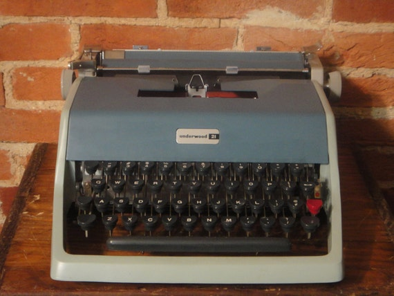 Underwood 21 by Olivetti- A Baby Blue Portable Typewriter with Case