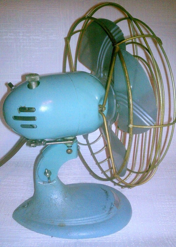 1950s Teal Metal Desk Fan With Cast Iron Base