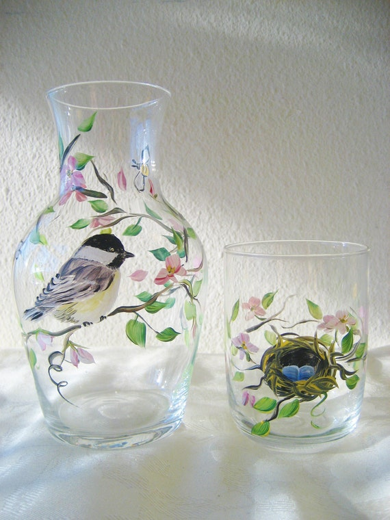 Chickadee bedside carafe, glass base differs than one pictured...has several rings on base of carafe. Pattern the same.