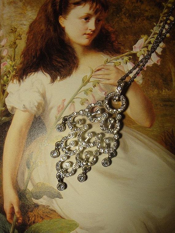 Gorgeous Vintage Rhinestone Chandelier Style Pendant Necklace