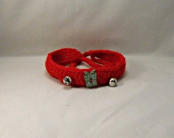 Crochet Christmas Red Dog/Cat Collar with Green Present Button and Jingle Bells