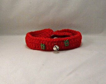 Crochet Christmas Red Dog/Cat Collar with Jingle Bells and Green Present Buttons