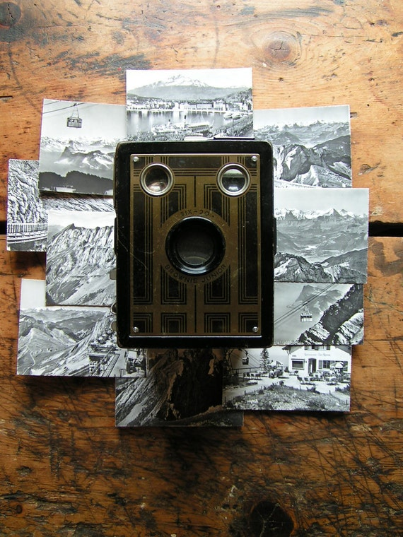 Vintage Kodak Six 20 Brownie Junior  Box Camera