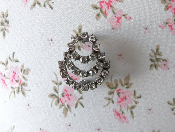 Vintage Circle Rhinestone Brooch Vintage Wedding Vintage Glamour Mother of the Bride Eternity Circles Collectible  ARIANA
