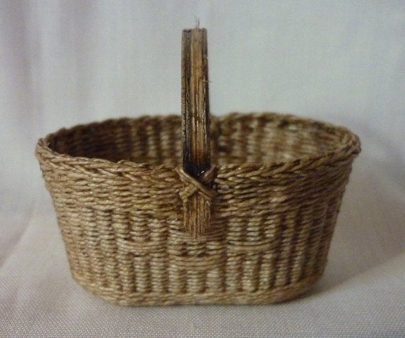 1:12th Scale Dollhouse Miniature Market Basket