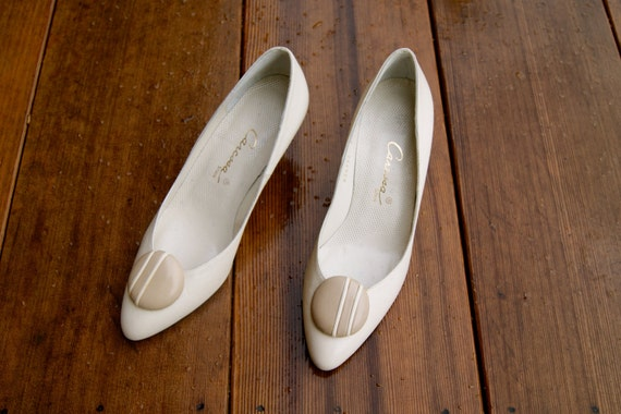Vintage Size 5.5 Neutral Nude Heel