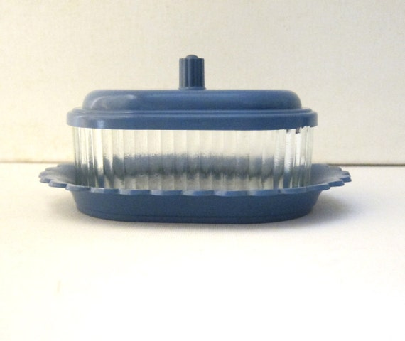 Retro vintage 1940s 1950s blue pressed glass and bakelite butter dish
