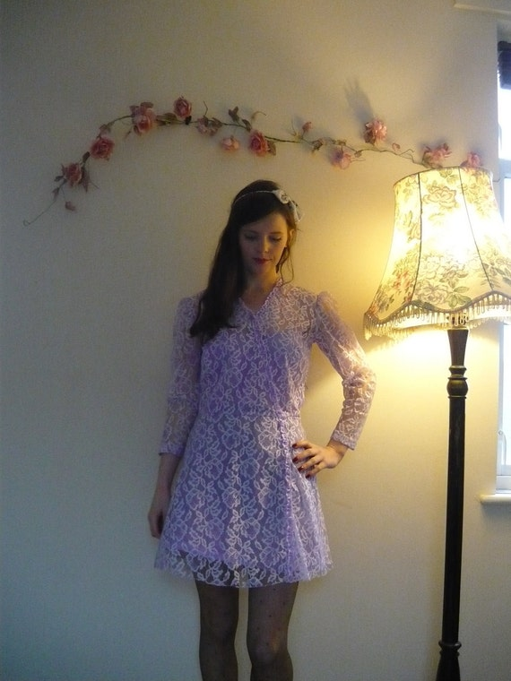 SALE Vintage lilac LACE long sleeve dress