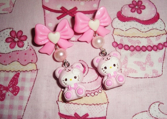 Hello Kitty Pretty Pink Teddy Bear Pearl PINK Bow Dangle Earrings