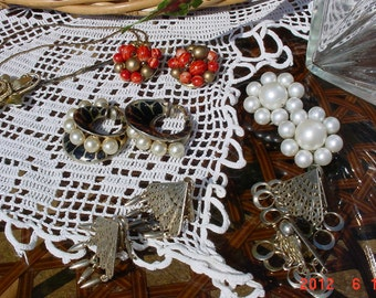 Vintage Jewelry Lot Necklace Earrings