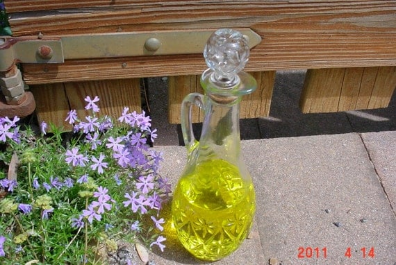 Vintage Glass Wine Decanter with Stopper