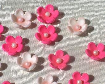 32 Petite Gum Paste Flowers