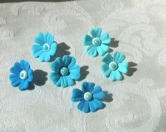 24 Gum Paste Flowers with Pearls