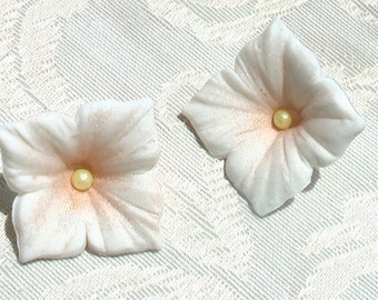 Edible Elegant White Large Gum Paste Hydrangeas Cake or Cupcake Toppers -- Made to Order