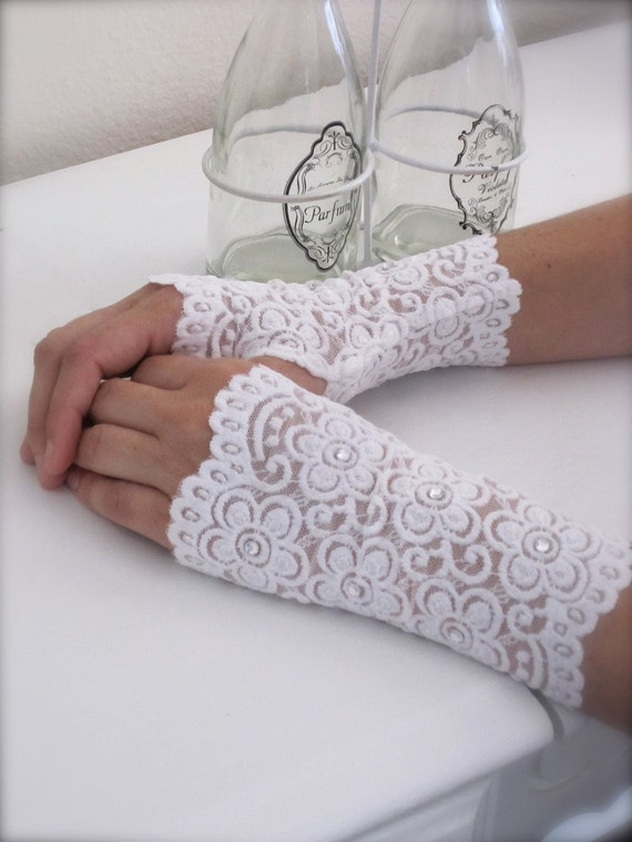 Fingerless Lace Gloves, Swarovsky accessories White Wedding jewelry Vintage French Lace, Romantic Bride wrist mittens. 'Twilight Sparkle'.