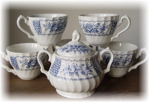 Vintage Blue & White Myott Melody Fine Ironstone England 1982 Sugar Bowl And 5 Cups -- Shabby Chic -- Mosaic Pieces