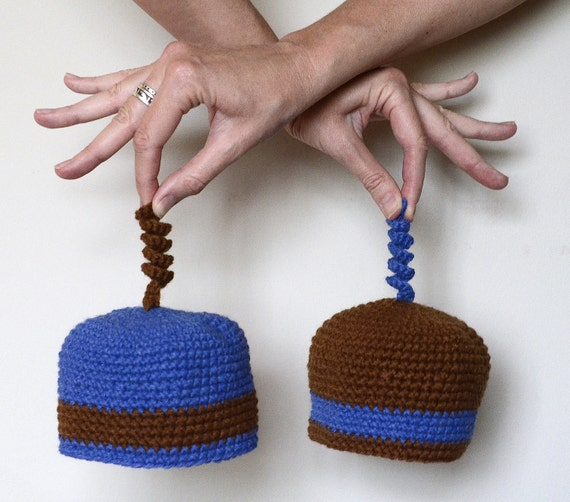Twin baby beanies crocheted in brown and blue