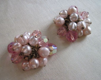 De Mario pink earrings with pink aurorea borealis crystals & light rose beads
