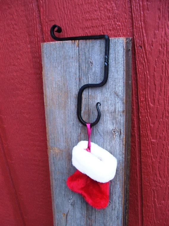 set of 6 fireplace mantle christmas stocking hangers. Black Bedroom Furniture Sets. Home Design Ideas