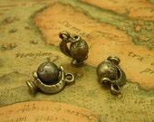 10 pcs Antique Bronze Globe Charms 17x12.5mm CH0358