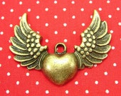10 pcs Antique Bronze Winged Heart Charms CH0019