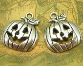 20 pcs Antique Silver Jack-o'-lantern Charms Halloween Charms 26x15mm CH0372