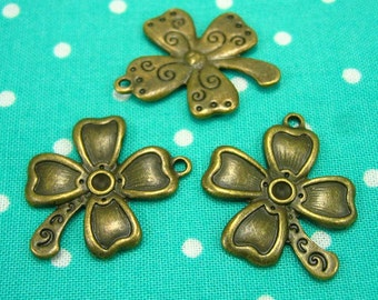 10 pcs Antique Bronze Flower Charms 25mm CH0029