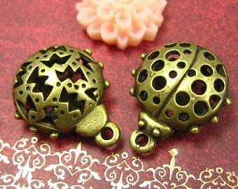 6 pcs Antique Bronze Ladybug Charms 18x17mm CH0323