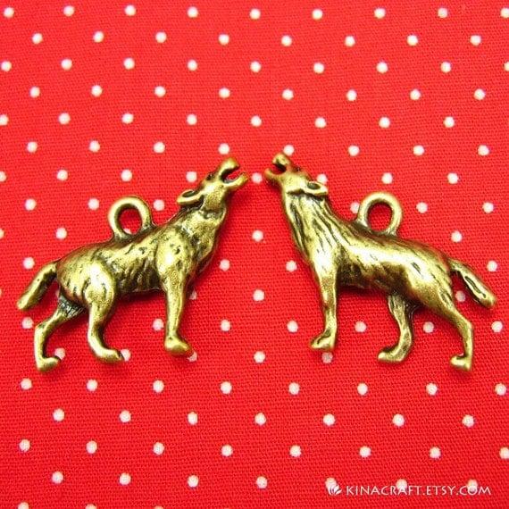 10 pcs Antique Bronze Wolf Charms 26x20mm CH0493