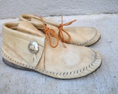 vintage 80s taos tan leather moccasin shoes / womens size 7