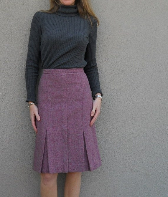 SALE vintage 70s 80s berry pink edinburgh wool pencil skirt  with pleats / womens xsmall small
