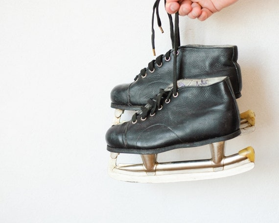 Vintage Children Ice Skates - Moscow Sport 74' - Black Leather - Size 33 - Collectibles - Soviet Union
