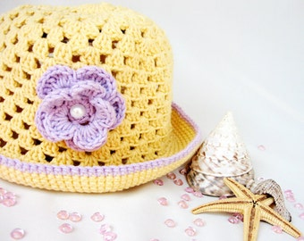 Crochet summer  baby hat in pale yellow with purple flower , baby fashion, girl fashion,READY TO SHIP