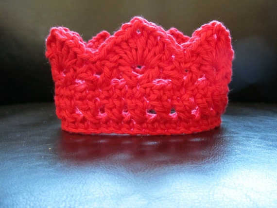 PATTERN - Baby Crochet Crown - Baby Photo Prop - PATTERN