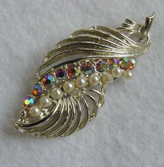 Vintage Faux Pearl & Aurora Borealus Rhinestone Pin / Brooch