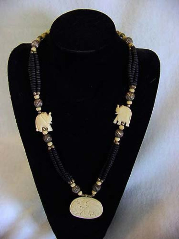 Vintage Exotic Ethnic Style Bead Necklace... Carved Elephants