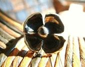 SALE - Size 8 1/2 Ring Silver Violet Flower