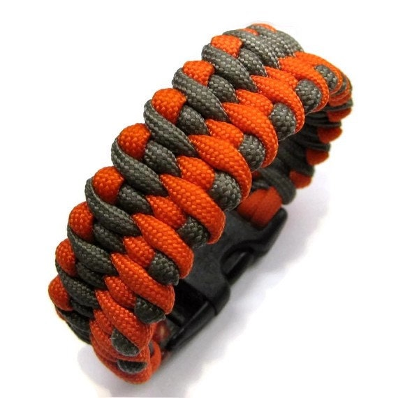 Dragon Tongue Paracord Bracelet - YOU Pick the Colors