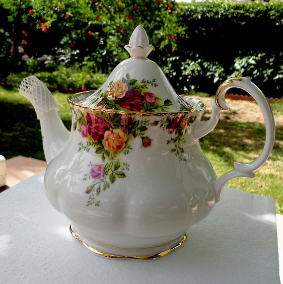 Recently Reduced in Price Teapot or Coffee Pot Old Country Roses by Royal Albert Montrose Shape with Lid