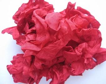5 yards Lipstick Red Crinkled Seam Binding E896