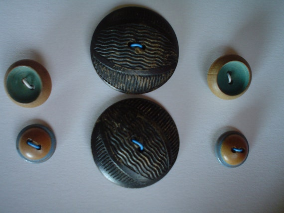 Vintage Wood Buttons Two Larger buttons and 4 small SALE Aqua and Green Less than 3