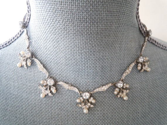 Vintage Edwardian Revival Style  Necklace in Pearls and Rhinestones