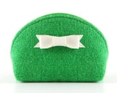 Green Wool Tweed Zipper Coin Purse. Small Round Wallet with Zip and white leatherette bow. Grass Fresh Kelly Green