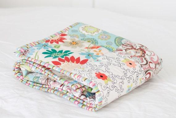 "Pretty Blooms Baby Quilt - Aqua - Colorful Border (28"" x 36"")"