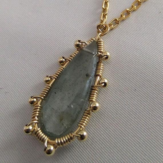 Long Moss Aquamarine pendant