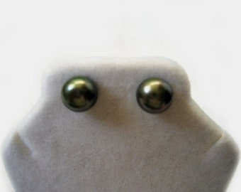 Genuine Oliver Green Freshwater Pearl Earring Studs 8-8.5mm