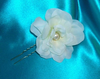 Bridal Hair Pin With a Creamy White Camelia With a Pearl Center
