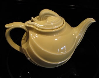 Vintage Hall Creamy Yellow Spout Teapot