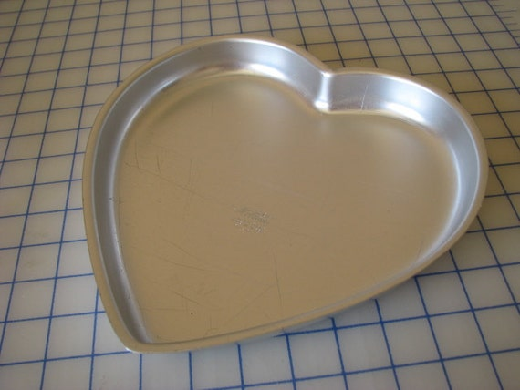 Vintage Wilton Aluminum Heart Shaped Cake Pan By Lilandlou