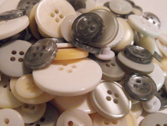 100 Wedding Buttons Round Multi Sizes